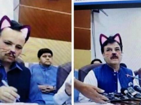 Pakistan: Quan chức chính phủ livestream họp báo nhưng vô tình bật hiệu ứng 'mặt mèo'