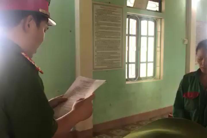 Hà Tĩnh khởi tố người phụ nữ đốt cỏ ruộng gây cháy 3 ha rừng thông