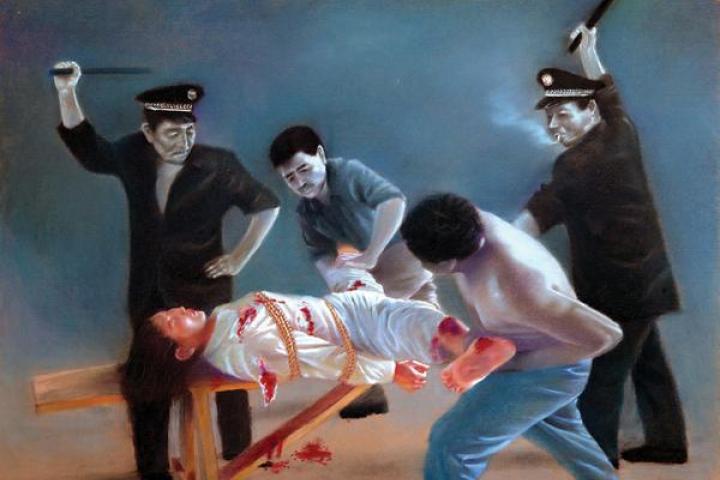 Một học viên Pháp Luân Công bị ĐCSTQ tra tấn bức thực dã man