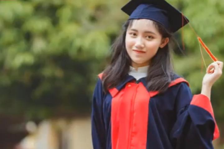 Nữ sinh thủ khoa kỳ thi THPT Quốc gia 2019 : Chưa từng học thêm, chỉ ôn tại nhà