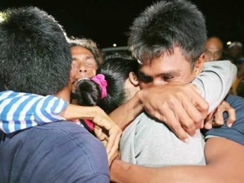 Thuyền trưởng Philippines hãi hùng kể lại đêm bị tàu Trung Quốc đâm